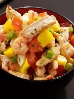 Salade hawai au poulet rôti, ananas et petit légumes